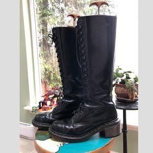 Dr Martens 18 hole boots black size 9